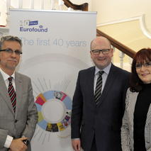 From left to right: Juan Menéndez-Valdés, Director, Eurofound; Ged Nash TD, Minister of State at the Departement of Jobs, Enterprise and Innovation, Ireland; and Erika Mezger, Deputy Director, Eurofound. (c) Eurofound 2015.